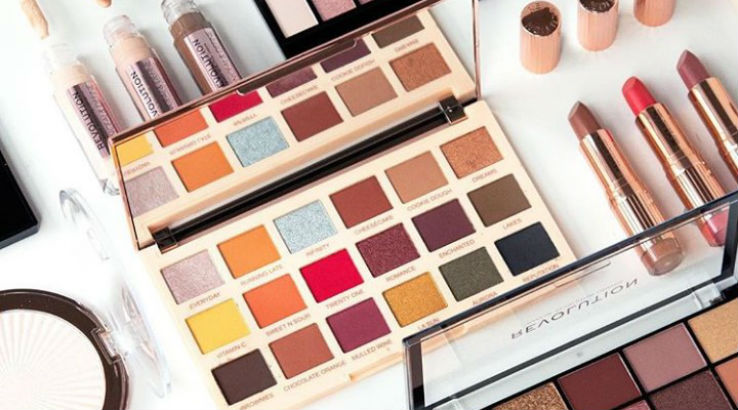 makeup-revolution-glam-raider-instagram-738