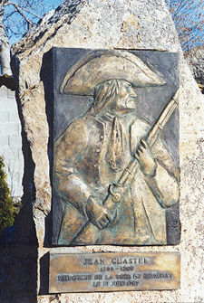 Monument érigé à la mémoire de Jean Chastel